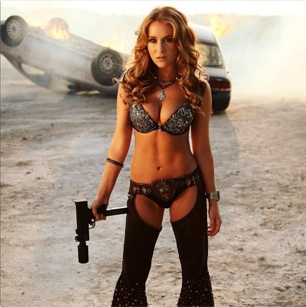alexa-vega-machete-kills1-598x600