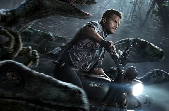 Jurassic_World_Final_Poster_Chris_Pratt_Velociraptors_2